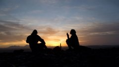 SUNSET-ON-TOP-OF-THE-HILL-002.jpg